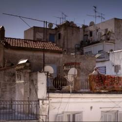 «Les terrasses» Le film repose sur le contraste entre la beauté du site et la déchéance urbaine